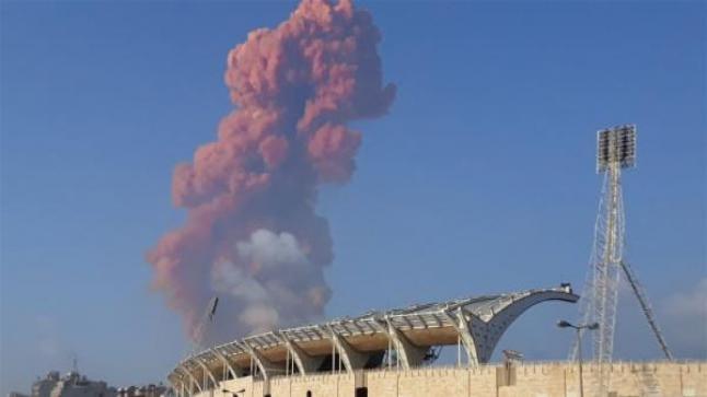 إنفجار ضخم يخلف عشرات الإصابات في بيروت