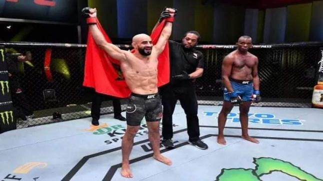 """منظمة """"UFC"""" تُقرر استبعاد البطل المغربي عثمان أبو زعيتر لأسباب انضباطية"""