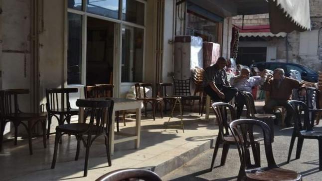 المقهى في المخيال الشعبي.. فسحة للهروب من رتابة الحياة أم فضاء للتواصل الاجتماعي