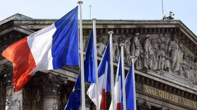 جائحة كورونا.. الحكومة الفرنسية تمدد صرف الإعانات الاستثنائية للعمال في وضعية هشة لثلاثة أشهر