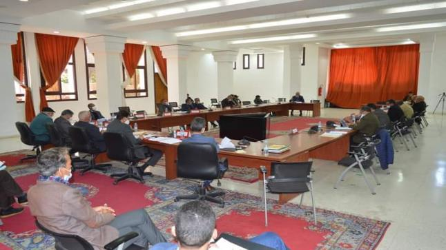 المجلس الإقليمي لتارودانت عقد يوم أمس دورة استثنائية بمقر العمالة