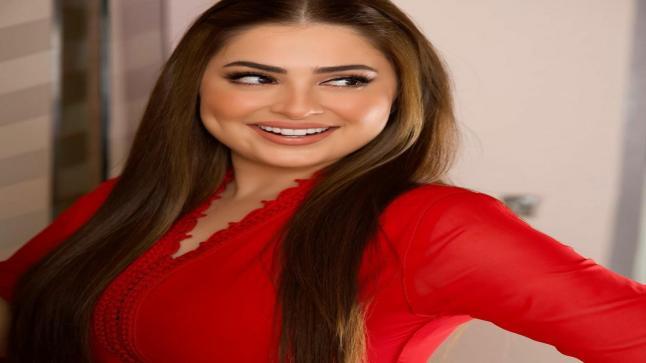"""نجاح متجدد وإطلالة ساحرة في """"آخر كلام"""" على قناة دبي"""