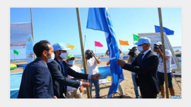 """حملة """" شواطئ نظيفة 2021″ ..اللواء الأزرق يرفرف من جديد بشاطئ بوزنيقة"""